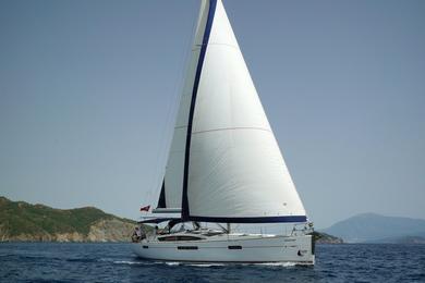 Sailing yacht Sugar Baby